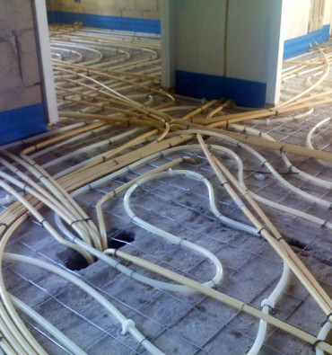 Installatie in de vloer